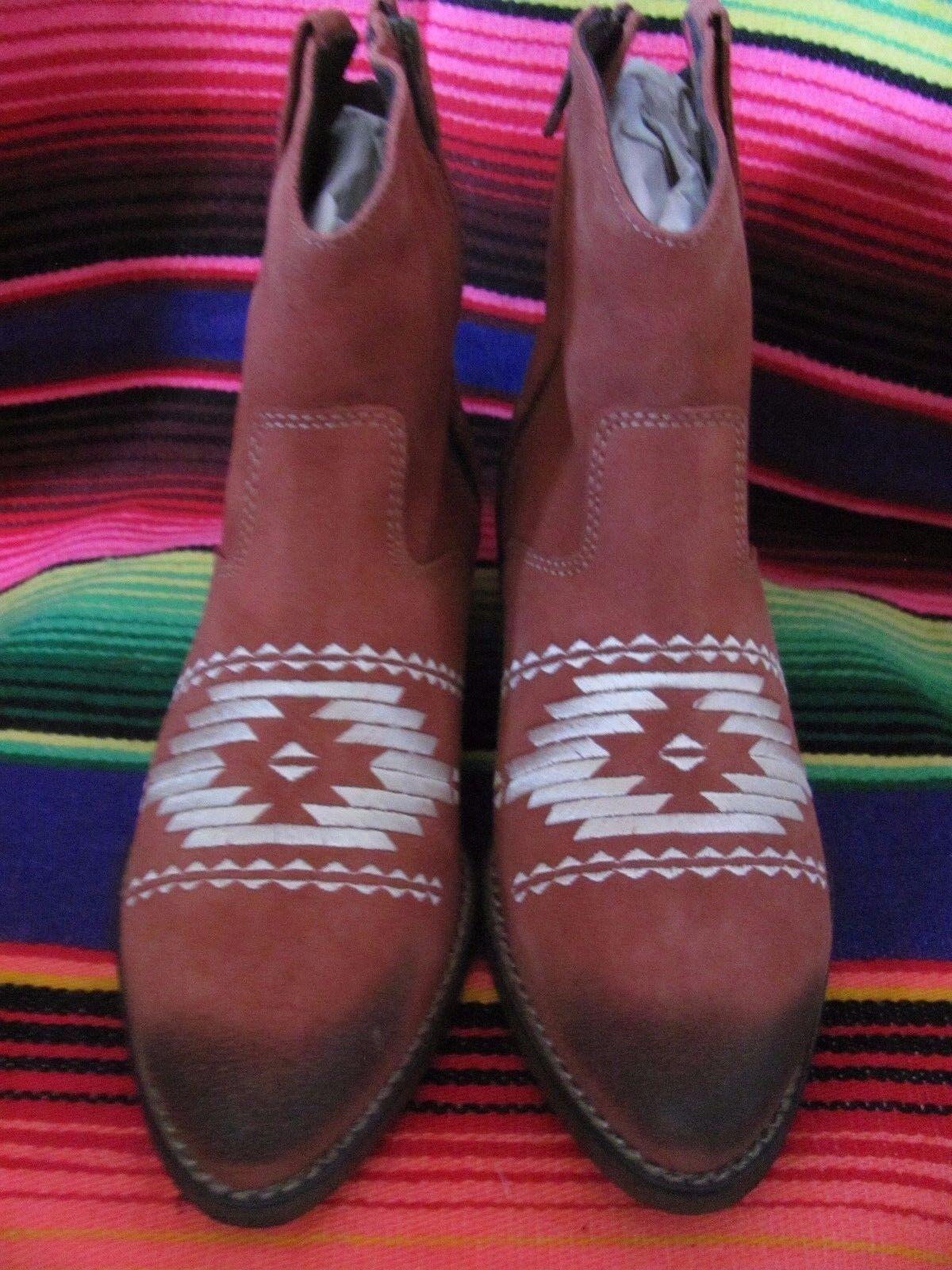 MUSSE & CLOUD Ladies  Genuine Leather Aztec Print Booties Ladies Ginger Bootie S