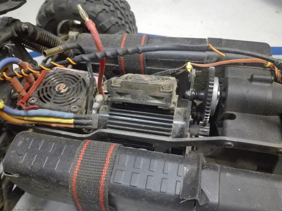 Fjernstyret bil, HPI Savage XL, skala 1:8
