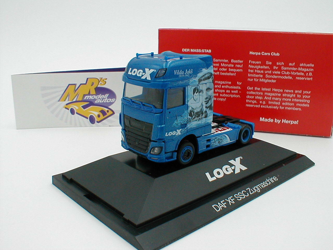 Herpa 110952 DAF XF SSC TRACTOR  Log-x The Boxer  1 87 Novelty