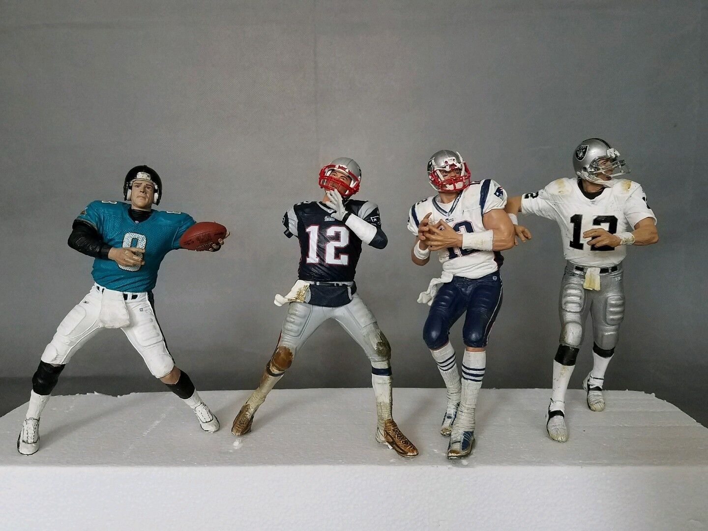 NFL NEW ENGLAND PATRIOTS TOM BRADY 6 1 2  McFARLANES and other figure lot