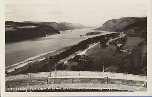 Looking-East-From-Vista-House-POSTCARD-Columbia-River-Highway-Oregon-RPPC-Sawyer