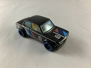 HOT-Wheels-BMW-2002-AUTO-soddisfare-5-Pack-Exclusive-Nuovo-di-zecca-loose-Scala-1-64