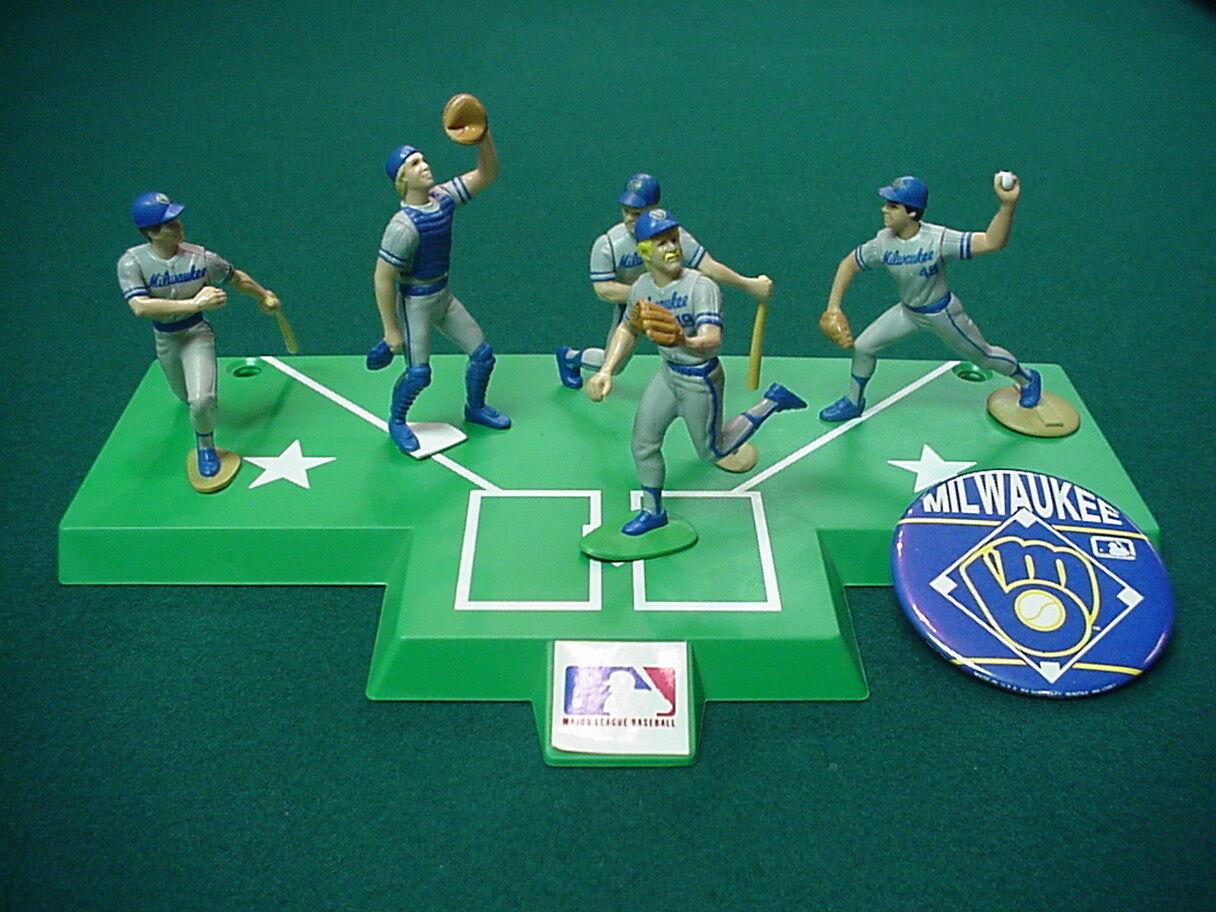 Starting Lineups Milwauke Brewers Baseball figure set 1988 with base