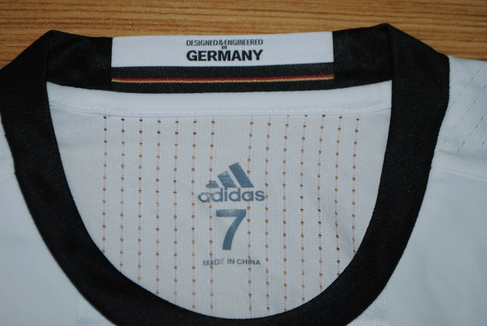 football football allemagne 100% original suite m bnwt new nouvelle chemise 2016, new bnwt   56c307