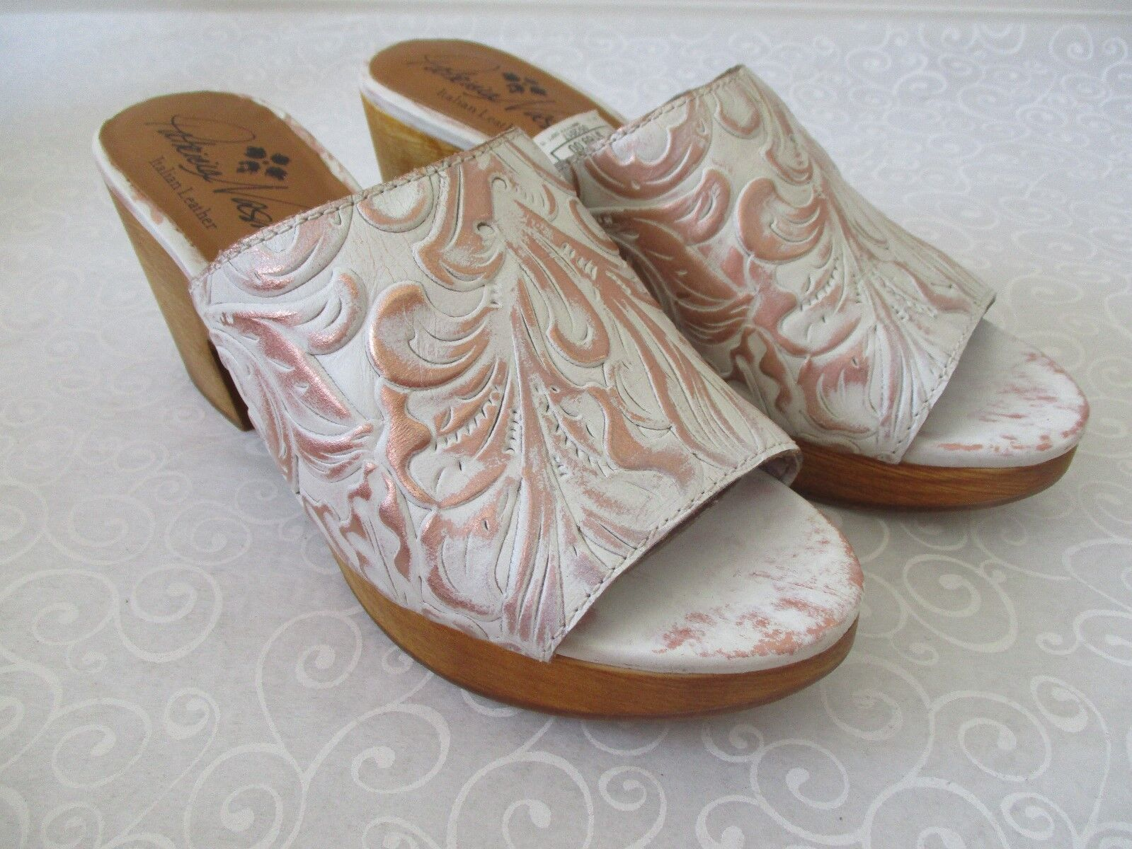 PATRICIA NASH VALENA blanc COPPER TOOLED LEATHER SLIDE SANDALS Taille 9 1 2 - NEW