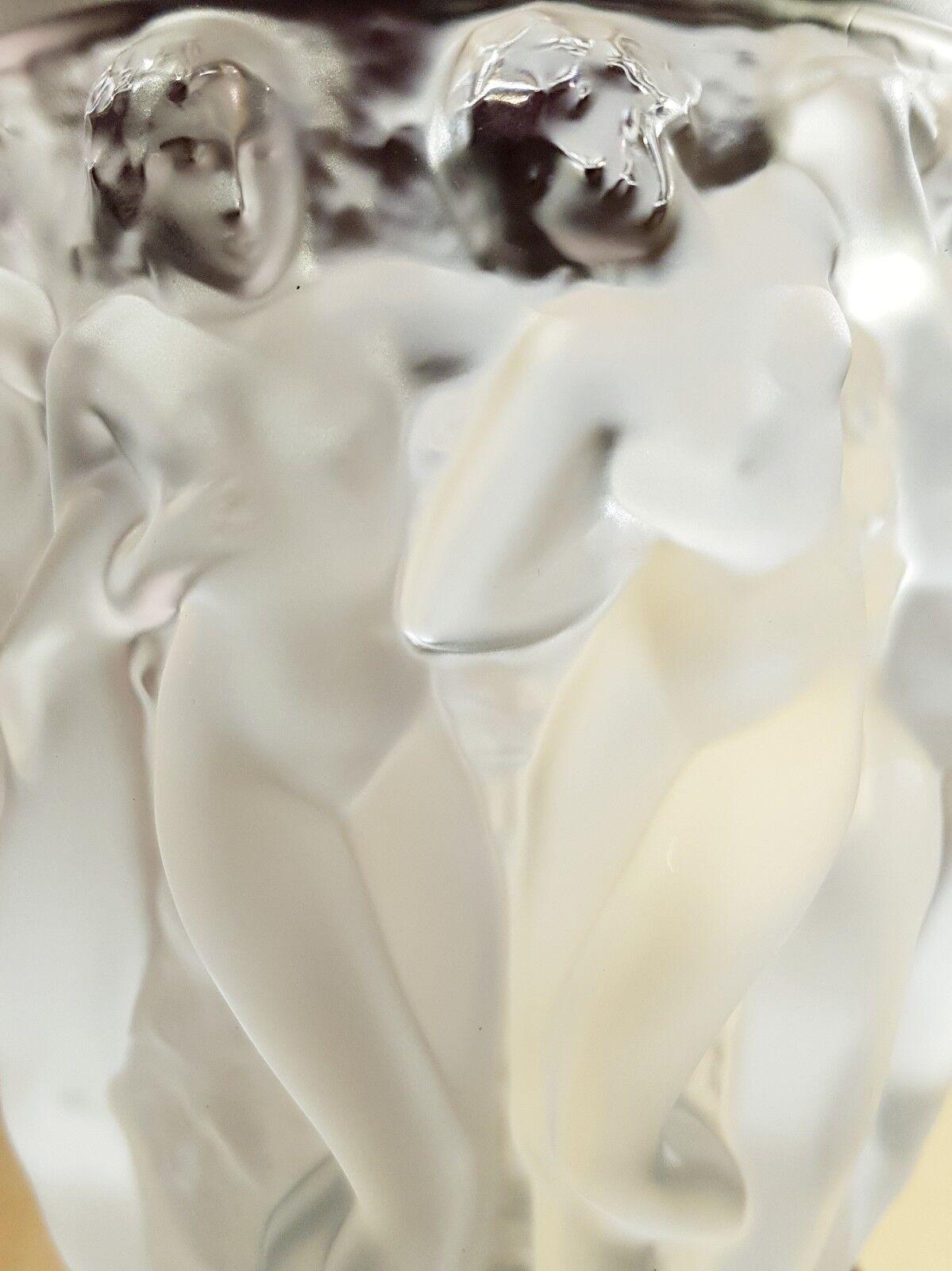 Lalique pot cristal, Bacchantes, Bacchantes. mesure petite. Hauteur Cm.15