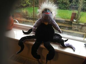 RARE-HTF-OFFICIAL-DISNEY-24-034-URSULA-THE-LITTLE-MERMAID-SOFT-TOY-PLUSH-WITH-BADGE