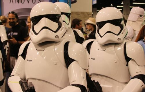 Cosplay Build your own Star Wars Storm Trooper Costume