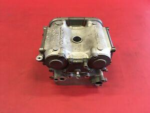 D36 Ducati Monster 748 Zylinderkopf liegend  Zylinder Motor komplett