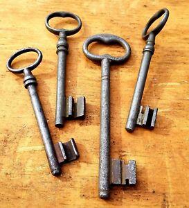Vintage Lot of Skeleton Keys