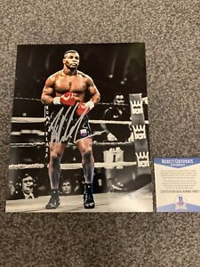 Mike Tyson Hand Signed 8x10 Boxing Photo With Beckett Coa