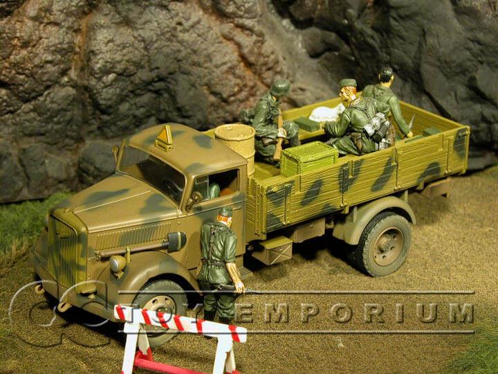 Fuerzas de Valor  RETIRARON  alemán 3 Ton camión de Cochega con tapa