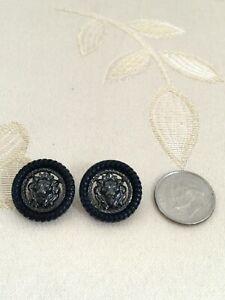 Authentic-CHANEL-BUTTONS-2X-CC-Logo-Leo-Lion-Head-Black-Metal-Resin-Rim-18mm-NEW