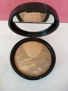 New Laura Geller Balance-N-Highlight Baked Powder Foundation - Tan ...