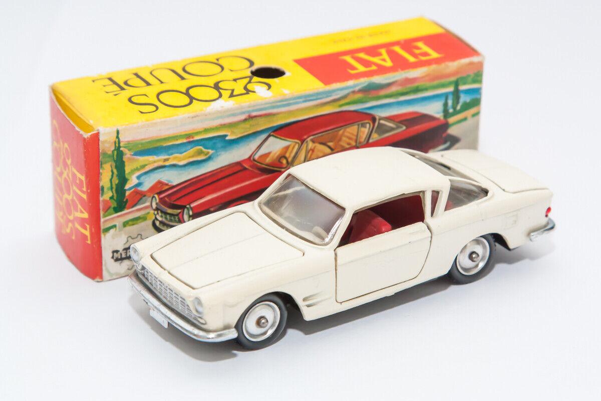 Mercury Fiat 2300 S blancohe avec boite Ref 23