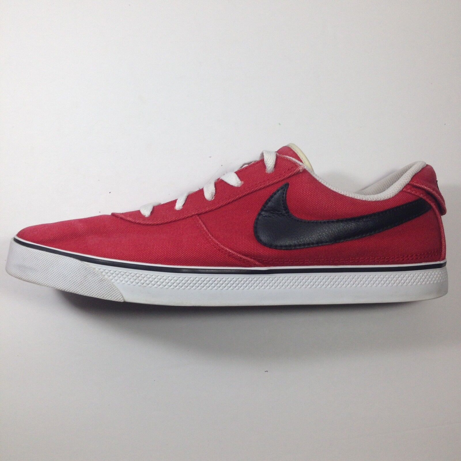 the latest 83dc7 fafa8 ... Rare Mavrk Low 2 Men s NIKE 6.0 Sneakers Sneakers Sneakers Red Canvas  Size 13 ea9d2e ...