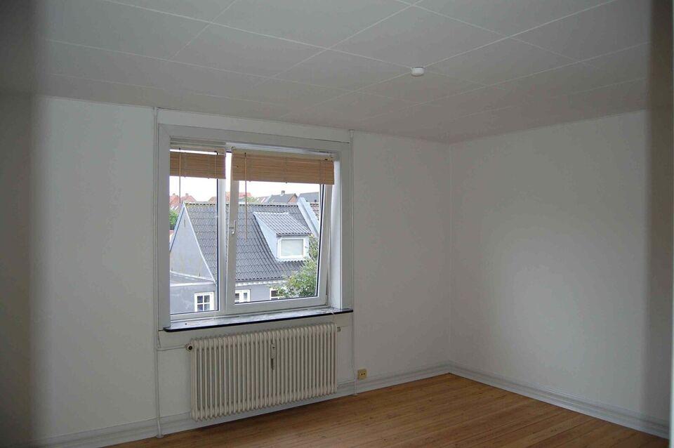 7600 vær. 2 lejlighed, m2 40, Smedegade