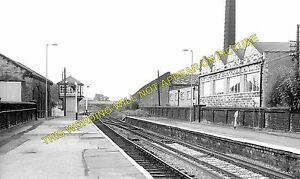 guiseley railway station photo menston esholt burley. Black Bedroom Furniture Sets. Home Design Ideas