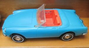 VERY-RARE-IDEAL-1964-TAMMY-BLUE-034-SPORTS-CAR-034-BOTH-BUMPERS-WINDSHIELD-INTACT-EX