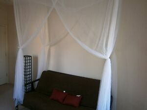 OctoRose-4-poster-Twin-size-bed-canopy-mosquito-net-purple-pink-or-white