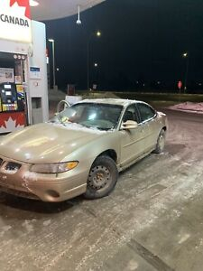 2001 Pontiac Grand Am. One owner, low kms beauty Drives like new
