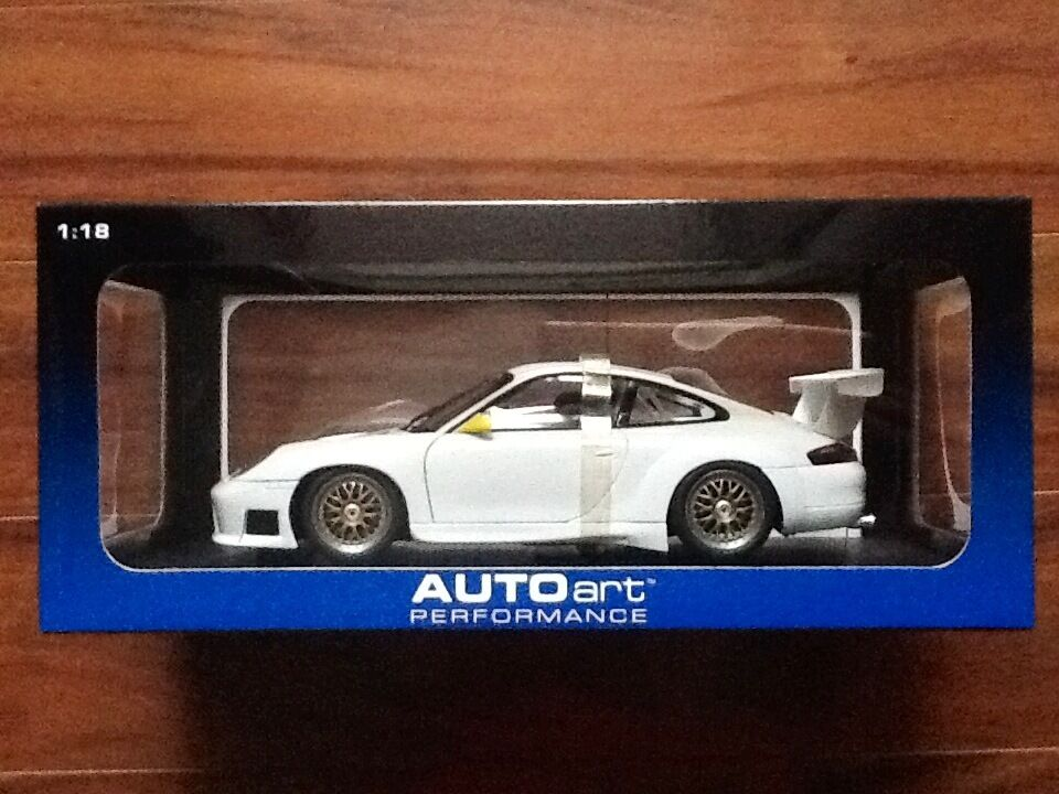 AUTOART 1 18 blanc PORSCHE 911 GT3R UPGRADED VERSION PERFORMANCE    77822 F S