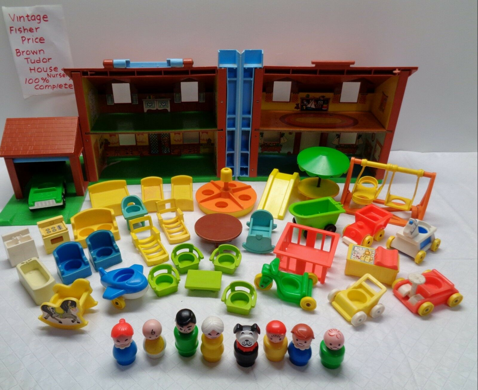 VINTAGE Fisher Fisher Fisher Price Little People PLAY FAMILY TUDOR HOUSE NURSERY 100% COMPLETE ae1357