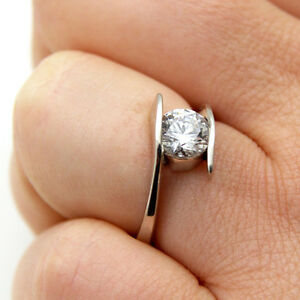 Diamond-Unique-Crossover-Shank-1ct-Engagement-Ring-9ct-Gold