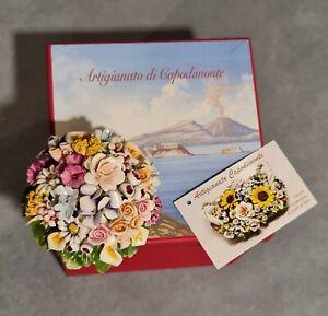 Porcelana Capodimonte, Pequeño Redondo De Flores En Miniatura Con Tapones Bianca