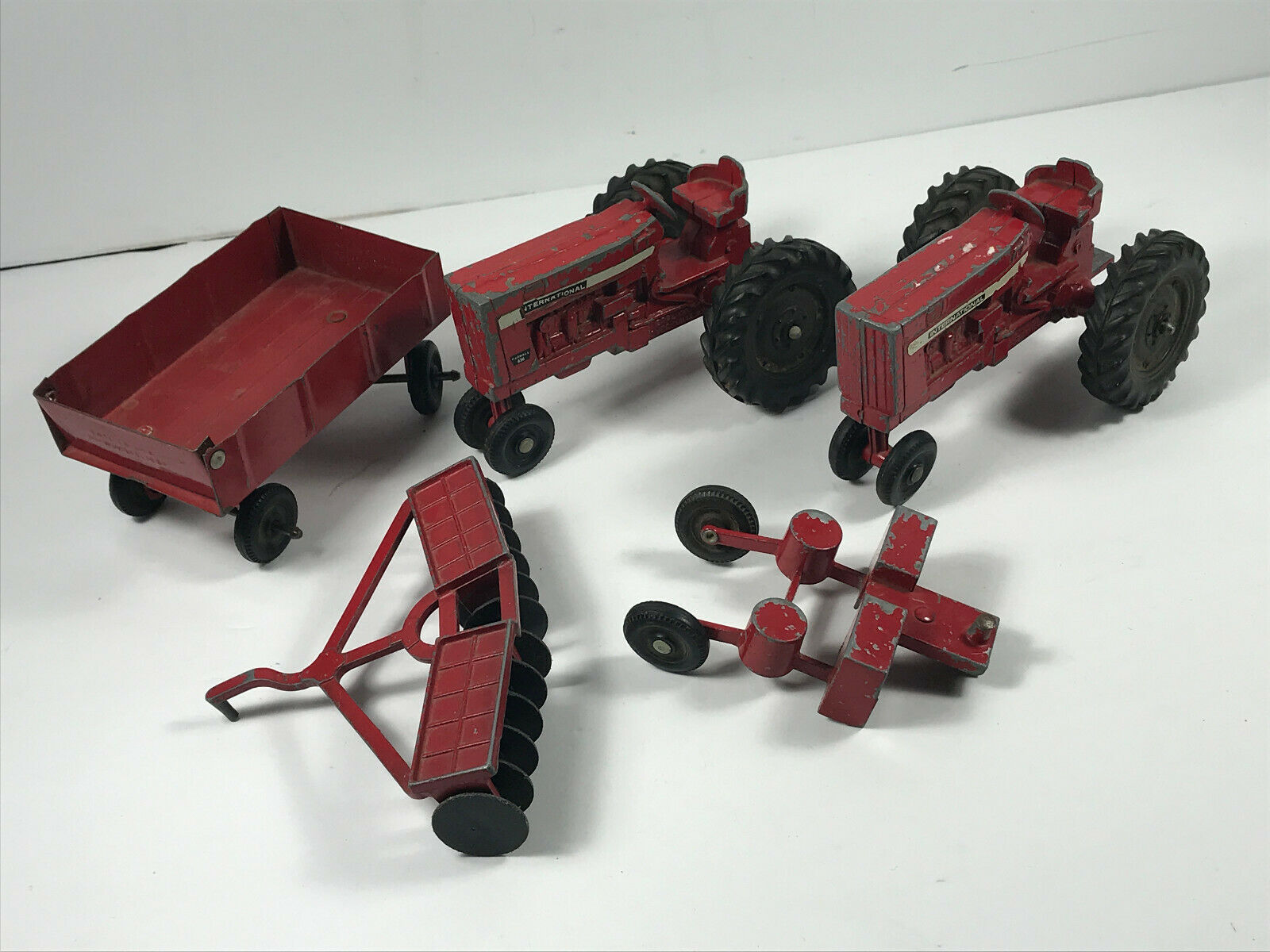 Masse (x5) Ertl international Landwirtschaft Tractor Truck w  Trailers tiller