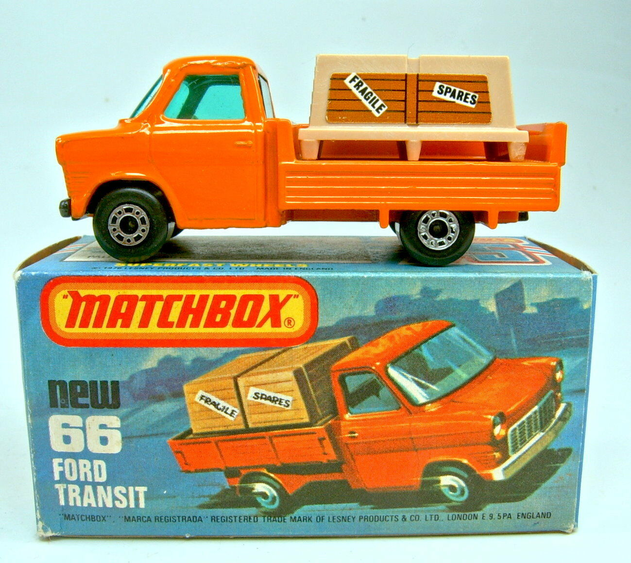 MATCHBOX sf 66c Ford transit Orange clair noire bodenpl. top dans  K  BOX