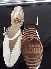 MOD VOGS  John Fluevog B NEW Mary Janes off-white crinkle leather buckle strap 9