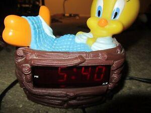 VTG-1996-Tweety-Bird-Digital-Alarm-Clock-Looney-Tunes-Sleeping-Nest-Tested-Works