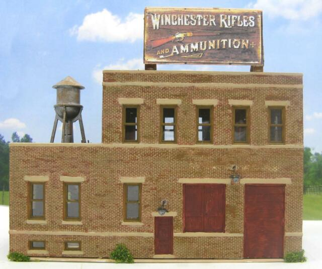 HO SCALE FACTORY~WINCHESTER RIFLES~BUILT BUILDING~WATER TANK~DETAILED~WEATHERED