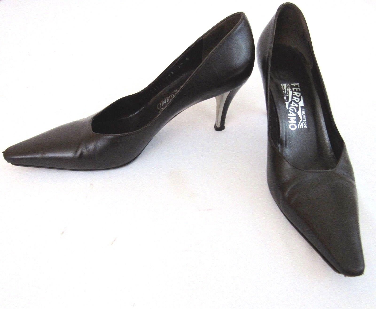Salvatore Ferragamo Brown Leather Pumps size 7.5