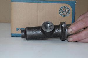 maitre-cylindre-de-frein-1-034-peugeot-203-404-citroen-traction-21420020