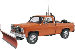 Revell-GMC-Pickup-with-Snow-Plow-1-24-plastic-model-car-truck-kit-new-7222