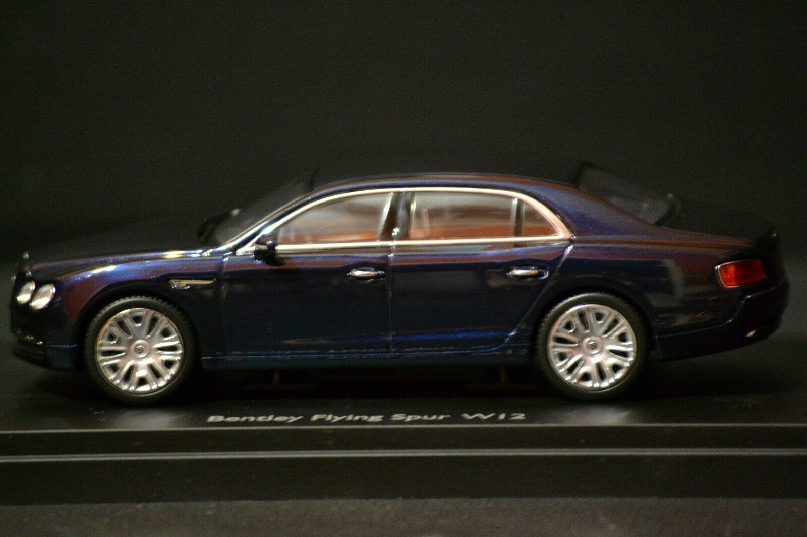 vendita scontata online di factory outlet Bentley Flying Spur W12 2013 Kyosho Kyosho Kyosho Dealer edizione diecast in scale 1 43 BL1081  autentico online