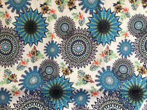 coupon-de-tissu-jersey-maille-polyester-dessin-moderne-3-m-R-pant