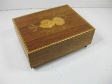 vintage c1960s 70s small inlaid wooden music box trinket box from Italy