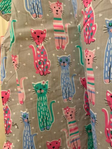 SCRUB TOP SIZES: XS S M XL CALICO CATS NWT NURSE MEDICAL WORK UNIFORM CNA L