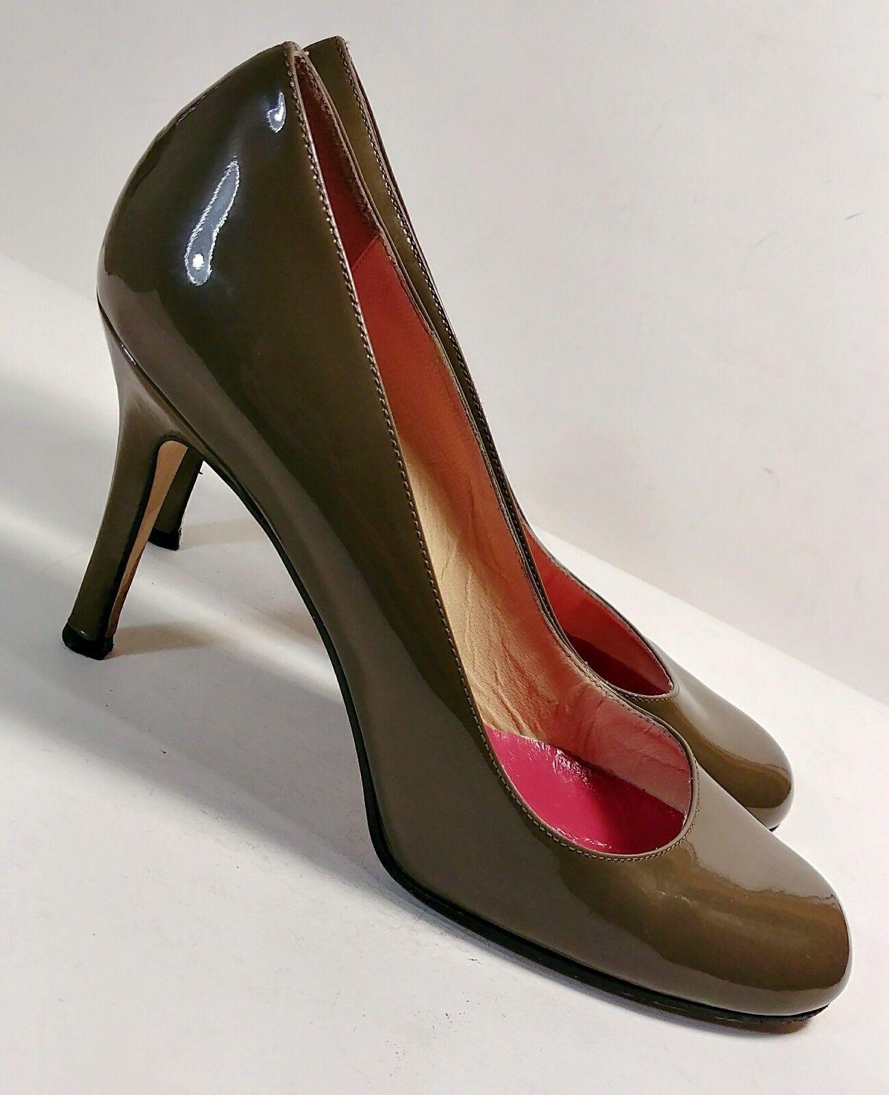 Kate Spade Olive Grün Patent Leather Round Toe Classic Pumps Pumps Pumps Größe 7.5B XLNT 402005