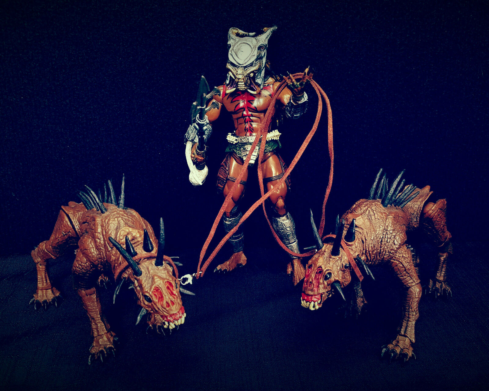 NECA Custom Tribal Predator & The Hounds Of Justice Action Figure