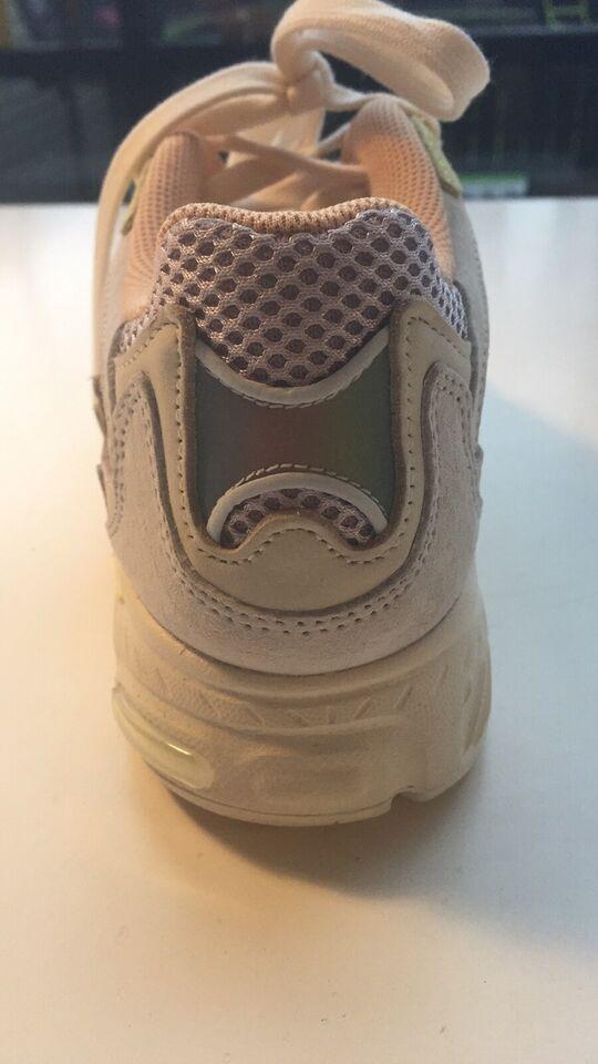 Sneakers, str. 40, Adidas Temper Run Pride
