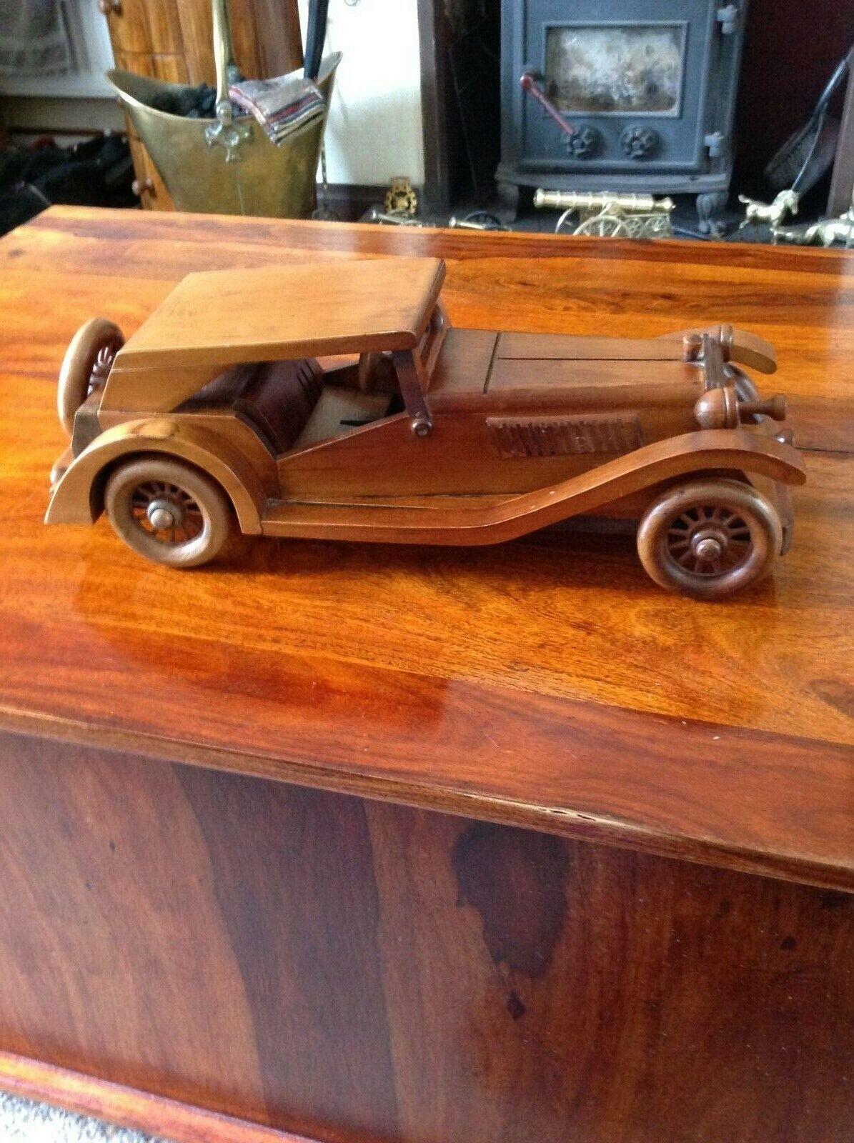 British Icon 1945 MG TC classeic modellolo legnoen auto