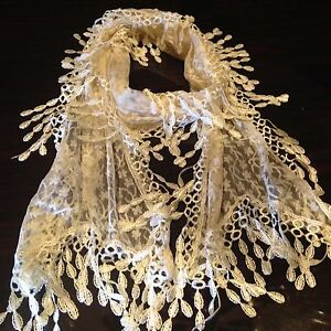 Vintage-Victorian-Antique-Lace-Style-Ivory-Fringed-Scarf-Wrap-Shawl