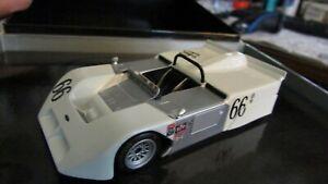01:43 Minichamps Chevy Chaparral 2J Voiture De Course J.stewart / Watkins Glen