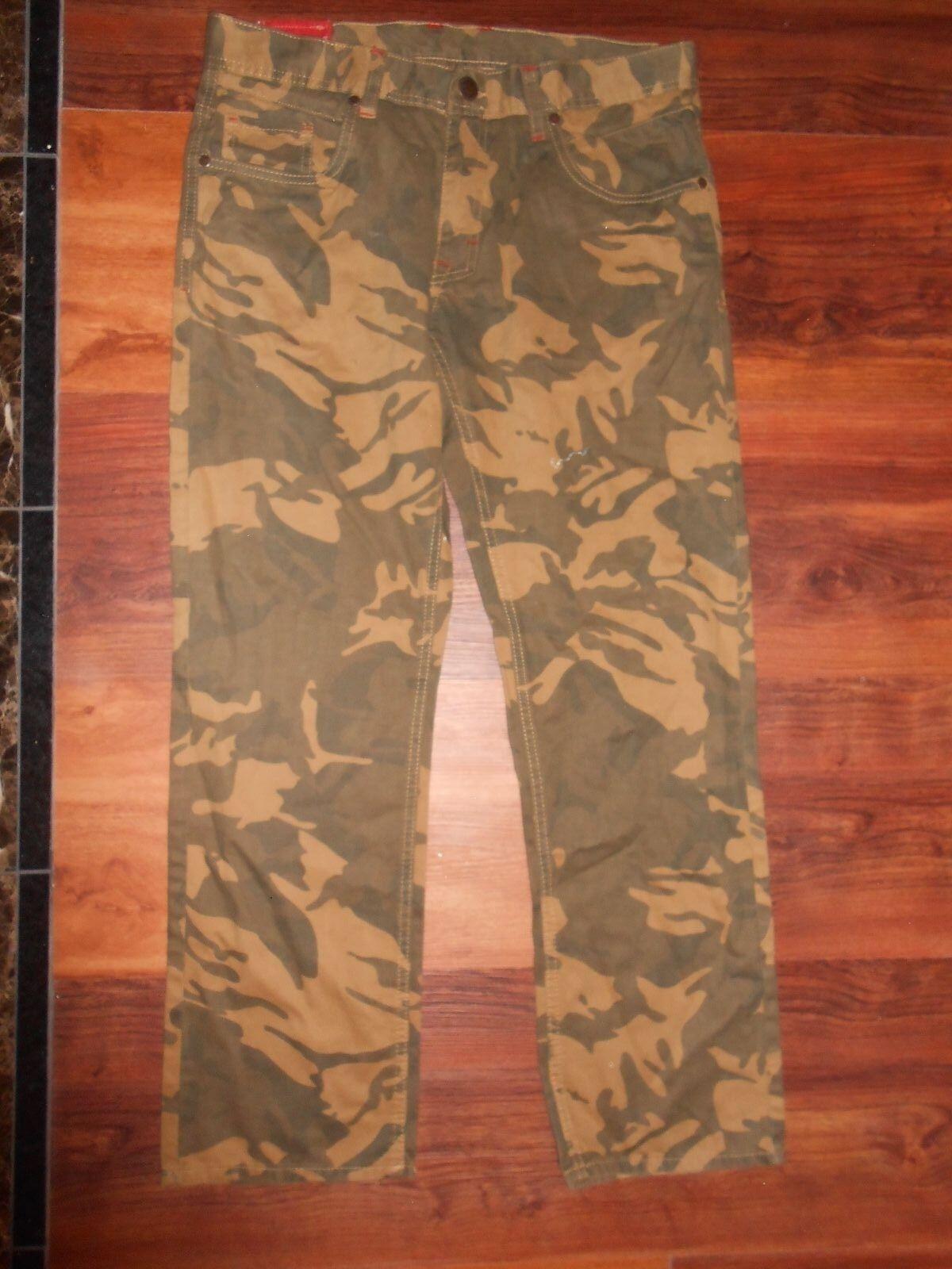 New Mens JORDAN CRAIG Camouflage Green Jeans Size 34 30