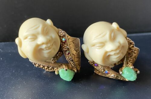 HAR Brooch Vintage Smiling Laughing Buddha Faux Ivory /& Jade Glass Rhinestone Gold Plate Pin