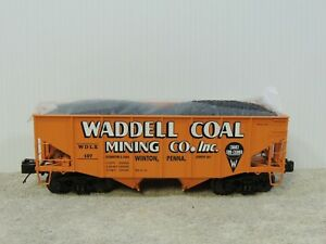 MTH-20-97200-2-Bay-Waddell-Coal-Fish-Belly-Hopper-Car
